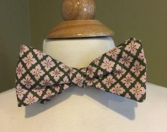 Cecil's bow tie