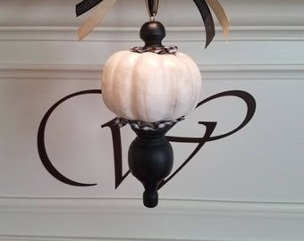 Rustic pumpkin finial ornament