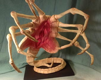 Alien Facehugger replica