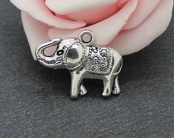 x 8 elephant charms in antique silver 22 x 18 mm BRA145