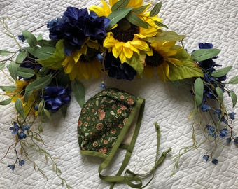 Evergreen floral bonnet