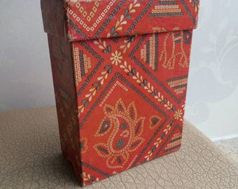 Nostalgic storage box from the sixties, red with geometric motif | red box | red storage box | nostalgic red box | nostalgic storage box
