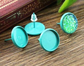 2 earrings 12mm Mint green metal chip