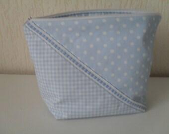 Fabric Kit has zip closure