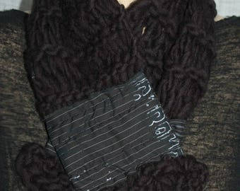 Black magnetic closure with fabric stripe black and white scarf