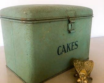 Tala Bread bin / Vintage // French enamel // Kitchen // Breadbin // Storage // Retro // Cooking // Gift ideas // Christmas gifts