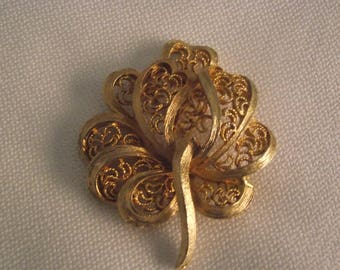 Filigree leaf brooch