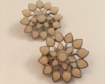 Beautiful vintage clip-on earrings - flower earrings - star earrings - 1950's