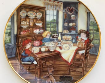 Franklin Mint Heirloom Collection SUPPERTIME by Karyn Bell Edition Gold Rimmed Plate Excellent Condition Made in England