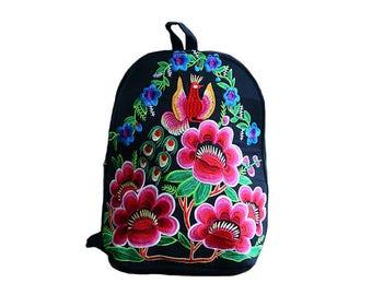 Mochila Bordada Flor/ Flower Embroidered Backpack