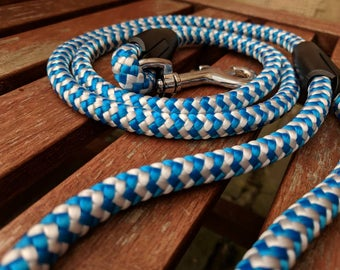Dog leash / blue & white / weatherproof
