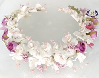 Bridal crown, bridal headpiece, Crown Surround, bridal tiara, bridesmaid Tiara, guest headdress, Crown flowers, hairstyle accessory, white