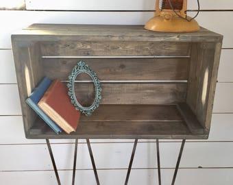 Pin leg crate shelf