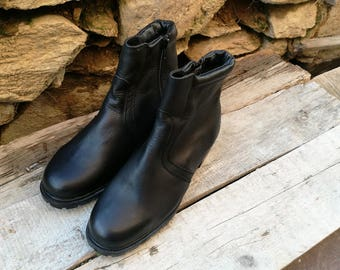 Ladies black boots / Leather boots / Black boots / Winter boots / Military shoes / Leather shoes / Black shoes / Fashion shoes /Womens boots