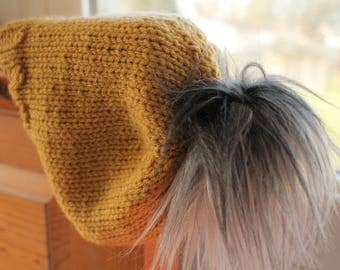 Gold Finch - Knit Hat with Faux Fur Pompom