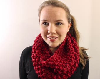 Knitted Infinity Scarf in Red {Wool Scarf, Chunky Knit Scarf, Red Scarf, Valentine's Gift}