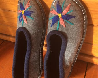 Size 39 woolen slippers
