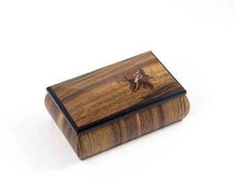 Jewelry box, marquetry, flower, lily, hand made, boite a bijoux