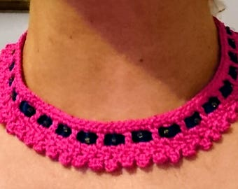 Pink crochet necklace crew-neck sweater