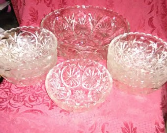 Vintage clear glass berry bowls. 7sm. 1 LG