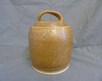 studio pottery lidded jar by r+t crafts