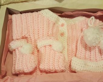 Infant girl layette set