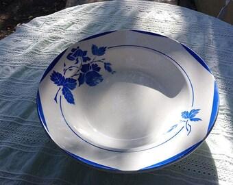 "Flat round porcelain of Gien, service ""Mona"""