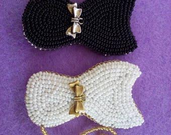 Brooch black cat, brooch white cat, cat with beads brooch,brooch kitten. Kitten with a bow.