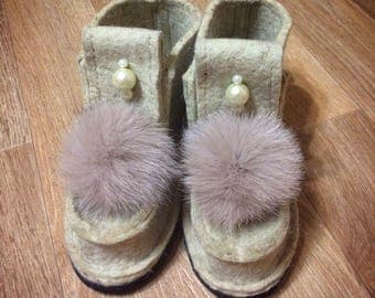 Sheep wool from natural sheep wool / winter shoes / felt boots / handmade shoes