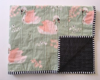 Modern baby quilt/Baby blanket/Handmade baby quilt/Swan baby quilt/Woodland nursery/Sage nursery/Gender-neutral baby quilt