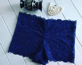 Cute lace shortie panties.