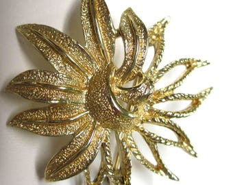 ANTIQUE Sarah Coventry Jewelry -  Demi-Flower Pin #6249