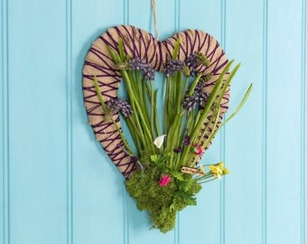 Striking and effective artificial lavender flower wreath, door hanging, artificial lavender flowers, inspired by love, heart shape wreath