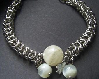 A bracelet, Chain wire weaving, Moonstone, Handmade Jewelry,  chainmaille bracelet, Steel Bracelet, A natural stone