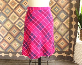 vintage 1970s hot pink wool skirt . womens size small plaid knee length skirt