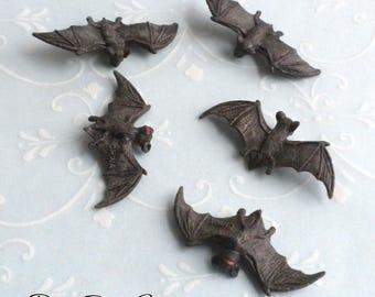 Miniature Bats - Set of 5 - Dollhouse Miniature Halloween Supplies