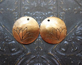 18mm Antiqued Brass Hammered and Lotus Stamped Single Hole Discs - 1 pair