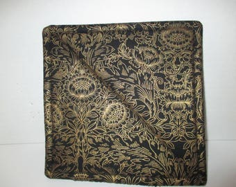 Pot holder, hot pad, black, gold, baking, oven, trivet, kitchen and dining, home  and living, table, dining room, kitchen, patio, cooking