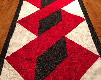 """Chistmas Holiday Quilted Table Runner - 18.75"""" x 45.5"""" Quiltsy Handmade"""
