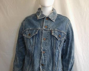 Closing Shop 40%off SALE Authentic Vintage Levi's Type III Troy Blanket Lined Denim Jean Trucker Jacket Worn Faded Size 42 THRASHED