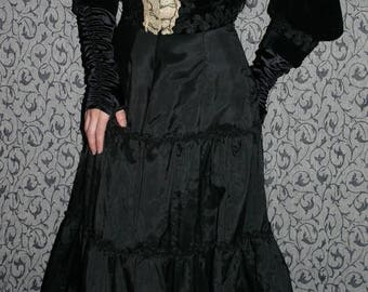 30% OFF Antique Victorian Black Velvet Ladies Mourning Jacket Bodice