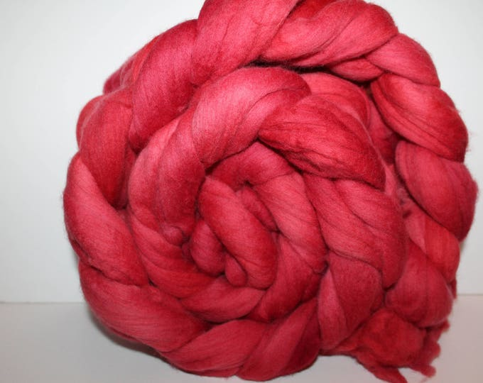 Kettle Dyed Merino Wool Top. Super fine. 19 micron  Soft and easy to spin. Huge 1lb Braid. Spin. Felt. Roving.M322