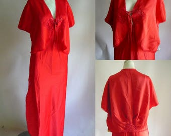 Vintage 2-pc DVF RED Slip Night Gown and Bed Jacket / size medium Bust 34 to 36 inch / Old Stock Never Worn / 1980s Diane Von Furstenberg