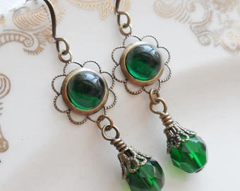 75% Off Clearance Sale, Emerald Green , Vintage Glass Cameo, Antique Brass Finish