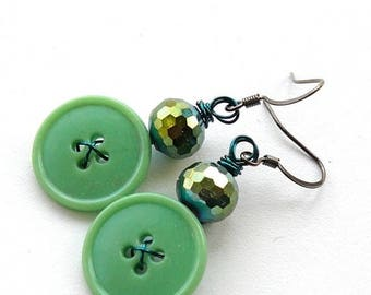 BUTTON JEWELRY SALE Bright Emerald Green Sparkle Fun Vintage Button Earrings - Funky Jewelry - Pop of Color