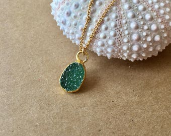 Tiny green druzy necklace,gold green necklace,druzy gold necklace,dainty necklace,delicate druzy necklace,gift under 50,druze necklace