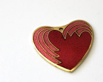Wave Heart. Vintage 1980s small jewelry pendant.
