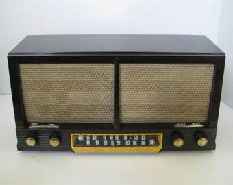 Vintage Sears & Roebuck Silvertone AM/FM Radio