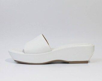 1990s Nine West White Slides Platforms Sandals