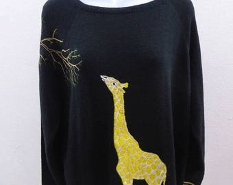 Vintage 70s Sweater Size L Black Yellow Giraffe Boat Neck Cyn R Les Embroidery